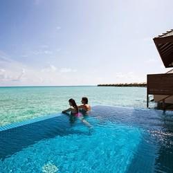 官宣可出境起6个月有效期!马尔代夫 神仙珊瑚岛 2晚沙滩泳池别墅+2晚豪华水上泳池套房 度假套餐 9499元起