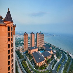 青岛星河湾酒店 豪华海景房1晚(含自助早餐+晚餐) 759元/晚