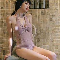 OMOM KB29016 女士三角连体泳衣 138元包邮(需用券)