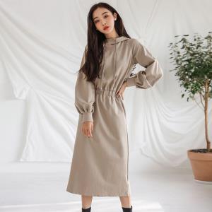2020春季新款韩版女款气质纯色收腰连帽长袖中腰连衣裙 87元