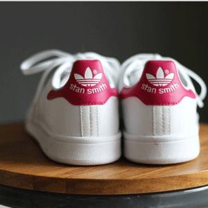Adidas Stan Smith大童款粉尾休闲鞋 54折$37.5
