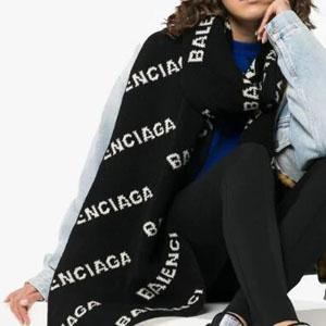 降价!Balenciaga 巴黎世家 嵌花羊毛混纺围巾 7折$367.5(约2573元)