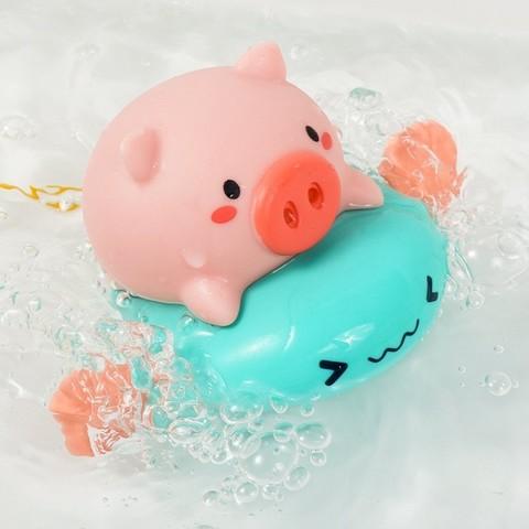 KIDNOAM 衾美 卡通小猪骑飞鱼游泳喷水 2只装 12.9元包邮(需用券)