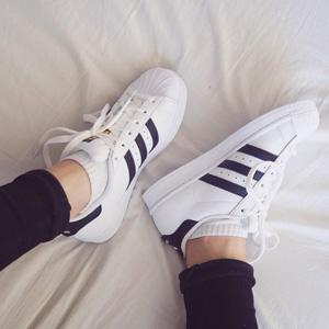 adidas阿迪达斯superstar贝壳金标大童款小白鞋  凑单折后价$50