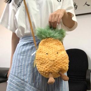 Jellycat Amusable Pineapple菠萝包挂包 直邮港澳180港币(约162元)