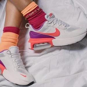 Nike Air Max Verona 女款休闲鞋 3折$40
